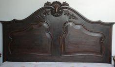 Quantas estórias ouvi numa cama dessa. Minha avó tinha uma igualzinha. Saudade !!!