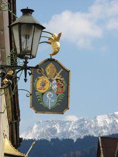 Schild vor Alpenpanorama + weiß/blauem Himmel | Flickr - Photo Sharing!
