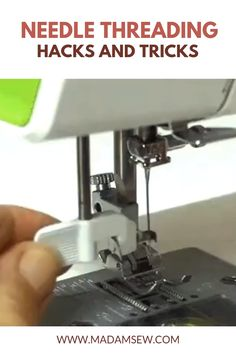 New Screen sewing hacks videos Ideas Most people thread a needle by holding an inch or so of thread between their fingers and try to gu Sewing Blogs, Sewing Basics, Sewing Hacks, Sewing Tips, Sewing Tutorials, Sewing Machines Best, Brother Sewing Machines, Knitting For Beginners, Beginners Sewing