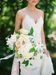 Romantic Bee Themed Lakeside Wedding in Montana: http://www.stylemepretty.com/montana-weddings/polson/2015/10/13/romantic-bee-themed-lakeside-wedding-in-montana/   Photography: Jeremiah and Rachel - http://jeremiahandrachel.com/
