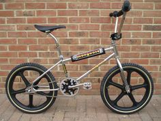 Vintage Bmx Bikes, Vintage Skateboards, Retro Bike, Vintage Cycles, Mongoose Bike, Bmx Cruiser, Bmx Street, Bmx Racing, Push Bikes