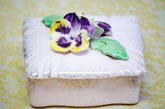 Vintage Flower Gold Toned Jewelry Box with 2 pcs. Dishes by CreativeSixters on Etsy https://www.etsy.com/listing/248680570/vintage-flower-gold-toned-jewelry-box