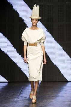 Donna Karan Spring 2015%0Aimaxtree  - HarpersBAZAAR.com