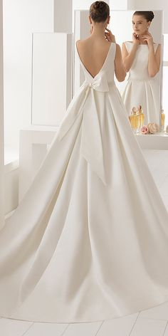 Naviblue Bridal Wedding Dresses: Collection 2018 aire barcelona wedding dresses v back with bow modest 2018 Aire Barcelona Wedding Dresses, Wedding Dresses For Sale, Bridal Wedding Dresses, Elegant Wedding Dress, Wedding Attire, Wedding Shoes, Wedding Cake, Lace Wedding, Wedding Rings