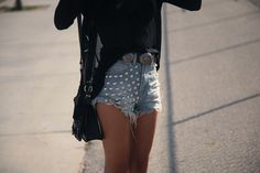 Round stud shorts.  So easy to do, why am I not making these.