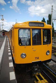 BERLIN, 28.07.2009, U1 hat den Endbahnhof Warschauer Straße erreicht und fährt in wenigen Minuten zurück zur Uhlandstraße