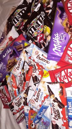 Love Chocolate, Chocolate Lovers, Cute Food, Yummy Food, Kid Friendly Appetizers, Sleepover Food, Tumblr Food, Junk Food Snacks, Snap Food