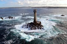 31 May 2016 | Engineers have launched a new research project to examine the structural impact that waves have upon six of the most exposed rock-based lighthouses in the UK and Ireland. https://www.plymouth.ac.uk/news/stormlamp-project-to-shine-light-on-the-impact-of-waves-on-lighthouses