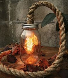 Lampe mit Tauwerk