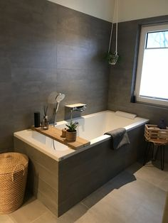 Awesome 34 Fancy Bathtub Design Ideas To Change Your Simple Bathroom To Be More Impressive. Bathtub Remodel, Shower Remodel, Bathroom Design Luxury, Luxury Interior Design, Bath Design, Interior Modern, Modern Luxury, Modern Bathtub, Modern Bathroom