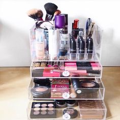 A classy and luxurious makeup organizer to store your makeup. Give it your personal touch