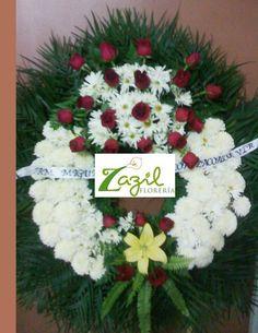 Florería Zazil en Cancún. Arreglos Fúnebres y de condolencias.  Coronas y cubrecajas.   https://www.floreriazazil.com #floreriasencancun #cancunflorist