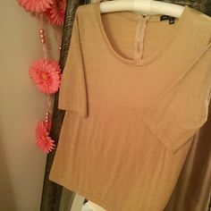 Taupe color tee shirt very pretty taupe color with silver stripe design; short sleeves; zipper at back of neck; Green Envelope brand; size L; poly/rayon blend       (T-5) Tops Tees - Short Sleeve