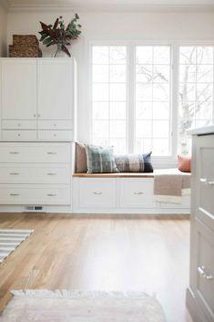 Ikea Built In, Built In Bench, Ikea Bench, Bench Seat, Light Gray Cabinets, Window Benches, Window Seat Ikea, Ikea Kitchen Cabinets, Kitchen Benches