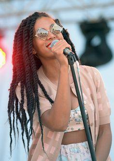 00  Solange Knowles's Bonnaroo Le Specs The Rude Boy Diamond Sunglasses in Gold
