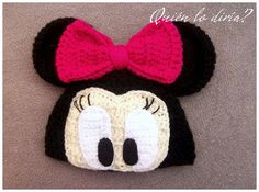Minnie Mouse crochet hat cant find pattern but im going to wing it Crochet Kids Hats, Crochet Cap, Crochet Beanie, Cute Crochet, Crochet Crafts, Knitted Hats, Yarn Projects, Crochet Projects, Crochet Character Hats