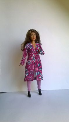 Curvy Barbie Mantel aus Jersey mit Blumenmuster in Violett /Blau Tönen von…