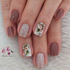 Creative Nail Designs, Creative Nails, Nail Art Designs, Diy Manicure, Pedicure, Pretty Nail Art, Heart Nails, Nail Polish Collection, Glitter Nail Art