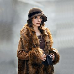 Charlotte Riley: May Carleton by Robert Viglasky Peaky Blinders series 4 s Costume Peaky Blinders, Peaky Blinders Fancy Dress, May Carleton, Peaky Blinders Series, Ada Peaky Blinders, Peeky Blinders, Roaring Twenties, Beautiful Celebrities, Stunning Women