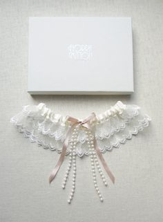 je t'aime lace garter by florriemitton on Etsy