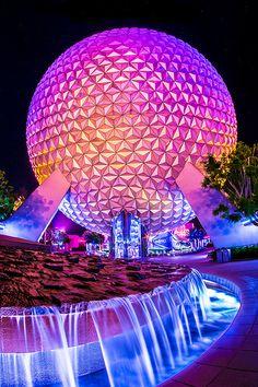 Epcot - Walt Disney World - Orlando, FL some tourist fun :)