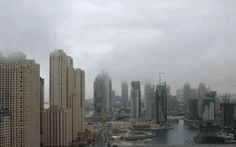 UAE Weather Update: Cloudy skies and showers on Monday .. http://www.emirates247.com/news/emirates/uae-weather-update-cloudy-skies-and-showers-on-monday-2016-04-04-1.626120