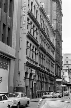 Flinders Lane north side, looking east towards Swanston with Liecester House, built 1888 (architect T J Crouch) and to its R is the Australian (APA) Building, once Melbourne's tallest, demolished 1980 for awful low rise offices. Melbourne Victoria, Historic Homes, Victorian Era, Historical Photos, Old Photos, Jasper Jones, Street View, House Built, Australian Fashion