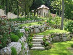 Steingarten, Gartengestaltung, Naturstein, Garten, Stein, Treppe, Wiese, Pflanzen, grün, Steingarten