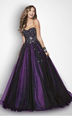 Favodresses.com is a professional women's dresses online shop,where you can find your favourite Pleated A-line Floor-length Sweetheart Dress