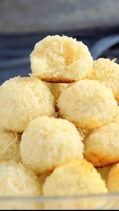 Home Discover Delicious treats you buy from county fairs. Cookie Recipes Snack Recipes Snacks Quick Dessert Recipes Easy Desserts Kolaci I Torte Portuguese Recipes Love Food Sweet Recipes Kolaci I Torte, Portuguese Recipes, Snacks, Love Food, Sweet Recipes, Food Porn, Dessert Recipes, Quick Dessert, Easy Desserts