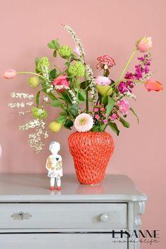 Flower Vases, Flower Pots, Flower Arrangements, Color Pallets, Love Flowers, Beautiful Children, Colorful Decor, Interior Inspiration, Diy Home Decor
