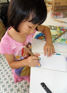 Xinyuun Progressing on her project http://gariesim.blogspot.sg/2014/04/all-creative-learning-for-children.html