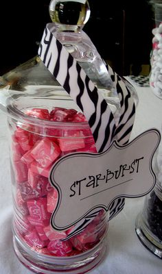 Here is a cute little Zebra print party I did a couple of weeks ago. So fun! This was for a friend of mine's daughter Hannah turing . Zebra Birthday, Hello Kitty Birthday, Sweet 16 Birthday, Teenage Girls Birthday Party Ideas, Birthday Party Themes, Birthday Decorations, Birthday Ideas, Zebra Print Party, Pink Zebra Party