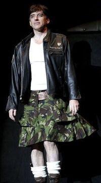 Craig Ferguson in a kilt