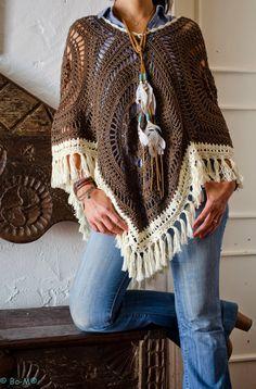 Crochet scarves 349451252340148499 - Crochet Granny Square Poncho Inspiration 17 Super Ideas Source by Point Granny Au Crochet, Poncho Crochet, Granny Square Poncho, Pull Crochet, Mode Crochet, Crochet Shawls And Wraps, Crochet Scarves, Crochet Clothes, Knit Crochet
