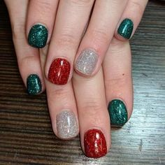 What Christmas manicure to choose for a festive mood - My Nails Christmas Nails Glitter, Xmas Nails, Holiday Nails, Halloween Nails, Red Nails, Red Glitter, Simple Christmas Nails, Christmas Manicure, Revel Nail Dip Powder