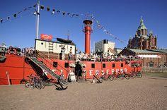 The lighthouse boat Relandersgrund in Helsinki | Majakkalaiva Relandersgrund, Pohjoisranta, Helsinki. Photo Robert Mercier