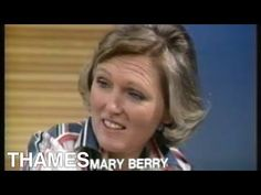 Mary Berry bakes Brown Bread - 1977 - Vegan if brush with plant milk Mary Berry Cooks, Delia Smith, How To Make Brown, Brown Bread, British Baking, Great British Bake Off, Appetisers, Berries, Vegan