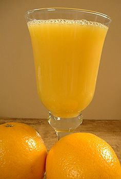 "Commercial Orange Juice tastes orangier than ""fresh"" oranges, and Orange Juice that you have squeezed yourself. The reason for this is that oranges meant for juicing can be left on the trees longer, and to develop better flavour."