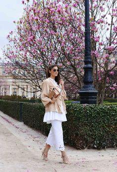 More on www.fashiioncarpet.com  Kimono by Gestuz, Peplum Blouse by Zara, Embroidered Jeans by Blumarine  #fashiioncarpet #ninaschwichtenberg