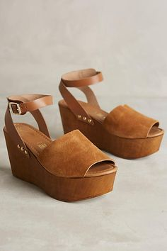 The Anthropologie Seychelles Forward Platform Wedges is the perfect heel to take on your next vacation Comfy and easy to walk in it will be your goto shoe Cute Shoes, Me Too Shoes, Look Fashion, Fashion Shoes, Wedge Shoes, Shoes Sandals, Crazy Shoes, Mode Style, Summer Shoes