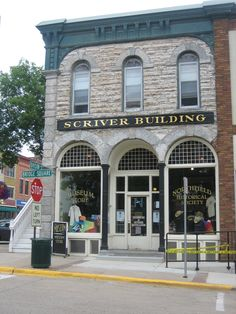 Northfield, Minnesota  The Bank that the James Gang attempted to Raid.   HOME!