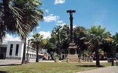 Plaza El Aguila..sector colonial.Monumento hecho en homenaje a 10 americanos que fuero ahorcados por autoridades españoles en 1806.Puerto Cabello.Venezuela