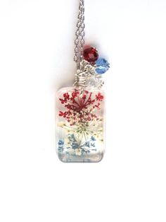 Red White and Blue Queen Anne Lace Necklace - Real Flowers Encased in Resin - Pressed Flower Jewelry - USA - Resin Jewelry