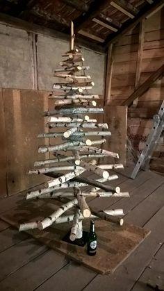 Weihnachtsbaum selber bauen - aus Birkenstämmen