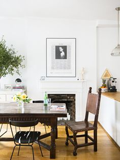 Ariel Ashe honors the past while establishing a decidedly modern home in a Greenwich Village townhouse. For more modern home decor style ideas go to Domino. Dining Room Design, Dining Area, Dining Rooms, Dining Chairs, Room Chairs, Kitchen Dining, Dining Table, Furniture Styles, Home Furniture