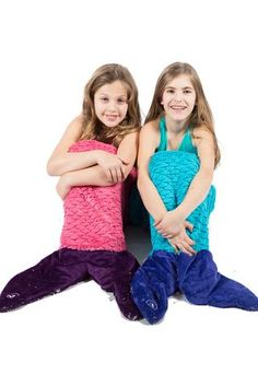 Mermaid luxe sleeping bag by Limeapple all the rage. Shop now before they are all gone. Girls Clothing Stores, The Perfect Girl, Girls Swimming, Tie Dye T Shirts, Tween Girls, Summer Shirts, Girls Shopping, Gifts For Girls, Kind Mode