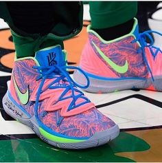 rocking a new colorway of the Nike Kyrie 5 for Round Game 📸: Kyrie Irving Basketball Shoes, Kyrie Irving Shoes, Girls Basketball Shoes, Nike Basketball Shoes, Sports Shoes, Basketball Accessories, Indoor Basketball, Basketball Posters, Moda Masculina
