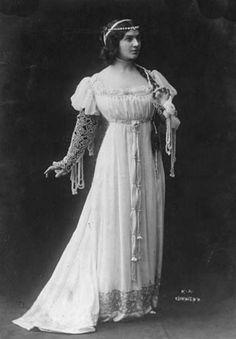 Russian opera singer Maria Kuznetsova as Euridice (circa 1911).