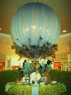 wrap giant balloon with tulle - Even a smaller balloon would look great with the peacock feathers or any type of feathers. Paper Lantern Centerpieces, Peacock Centerpieces, Paper Lanterns, Table Centerpieces, Wedding Centerpieces, Wedding Decorations, Peacock Wedding, Peacock Theme, Peacock Decor